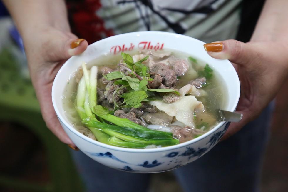 Những quán phở bò có tên lạ tại Hà Nội ai nghe qua cũng đều tò mò - ảnh 9