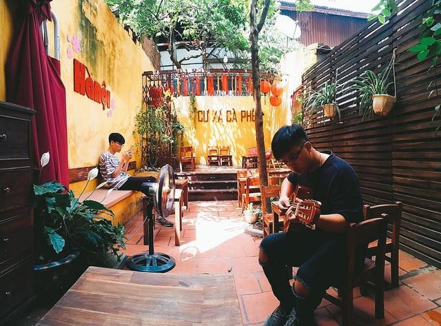 Tìm về Hà Nội xưa cũ bên những quán cà phê cổ - 1
