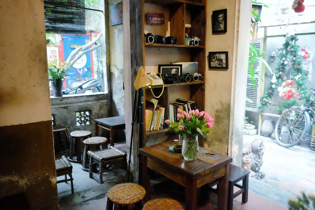 Tìm về Hà Nội xưa cũ bên những quán cà phê cổ - 6