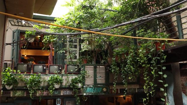 Tìm về Hà Nội xưa cũ bên những quán cà phê cổ - 9