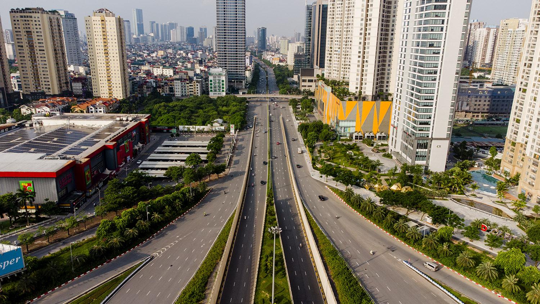 Nhìn từ trên cao đường phố Hà Nội trong buổi sáng ngày thứ 8 giãn cách xã hội - 2