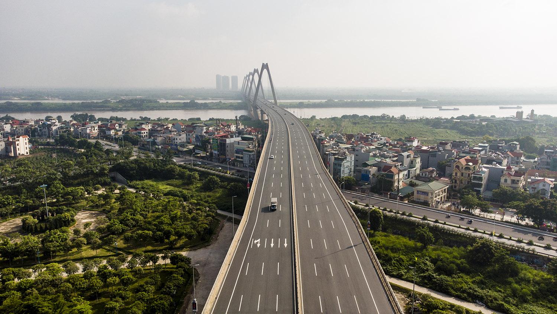 Nhìn từ trên cao đường phố Hà Nội trong buổi sáng ngày thứ 8 giãn cách xã hội - 8