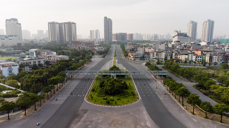 Nhìn từ trên cao đường phố Hà Nội trong buổi sáng ngày thứ 8 giãn cách xã hội - 9